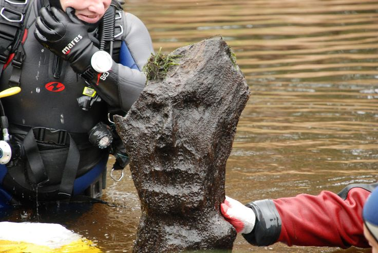 Slavic wooden idol was found in the river Drissa and it represents God Perun or God Veles. Idol is pre-dated to 12th century. (slavorum.com)