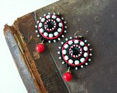 Ricamo di perline perline Orecchini Orecchini perla ricamato gioielli Boho orecchini nero rosso bianco orecchini rosso penzolare orecchini MADE TO ORDER