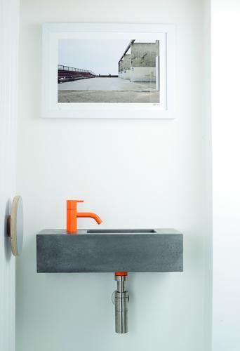 Betonwaschtisch Fox FX.A4 – Betonwaschtisch FoxKompaktes Betonbecken mit seitlichem Waschtisch und einem Hahnloch Erhältlich in 22 Farben Geeignet f…