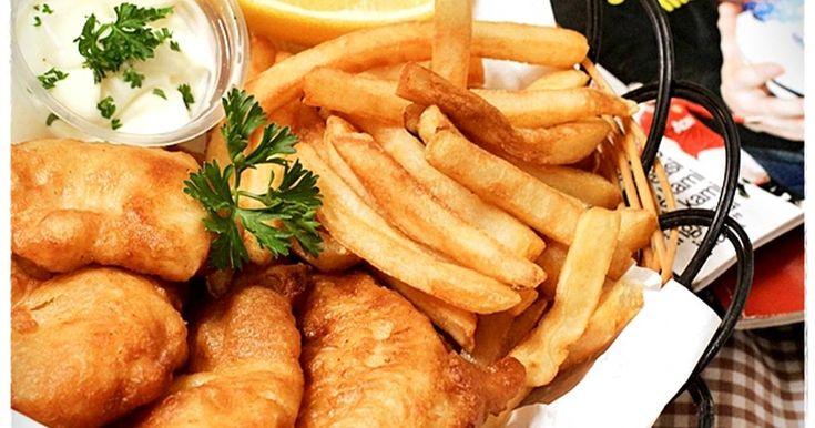 Resep Fish and Chips NO Beer ala rumah favorit suami+the krucils favorit. Fish and chips,yeayy!tiap maem/nongkrong sm keluarga dimana aja,dimana ada menu fish and chips disitulah kita selalu pesen,ga peduli dah,enak ga enak pkoknyaa selalu pesen menu itu..dr jaman pacaran nemenin nobar smpe beranak pinakk,tetep aja pesennya fish and chips XD xixixixixixi Anak mbarep+tengah kalo nyemil fish n chips ini kuat banget+cpt banget.. Akhirnya,sering bkin sendiri,jauh lebi ngirit loh.,kmren beli...