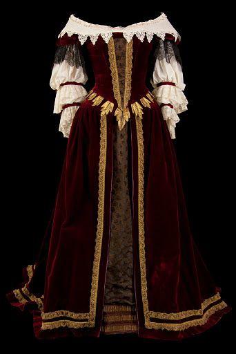 « Phèdre » 1959 Costume porté par Annie Ducaux, d'après Mouron de Cassandre, comédie française - Photo Pascal François