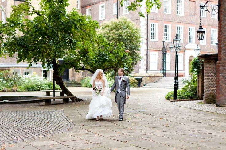Fountain Court - bride and groom