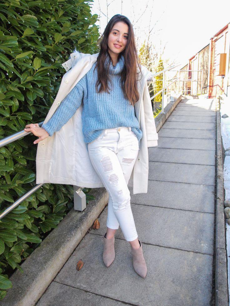 Coat from Zaful // Knit here!– sold out! // Jeans from Rosewholesale // Shoes from H&M  Oversized e neutrals são duas das minhas palavras favoritas no que toca a moda. Por isso, conseguem imaginar o quanto gosto deste outfit? Adoro as botas mas tenho ... Read more