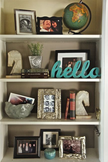 one way to decorate shelves