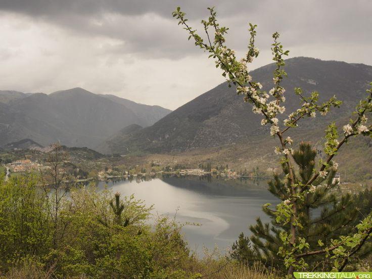 Il cuore d'Abruzzo: Scanno http://www.trekkingitalia.org/scheda/index/5112/10786/