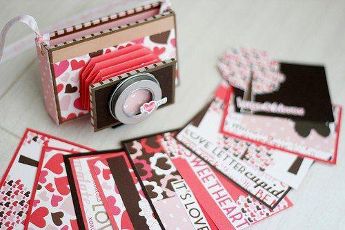Марта, как сделать из бумаги фотоаппарат открытку видео