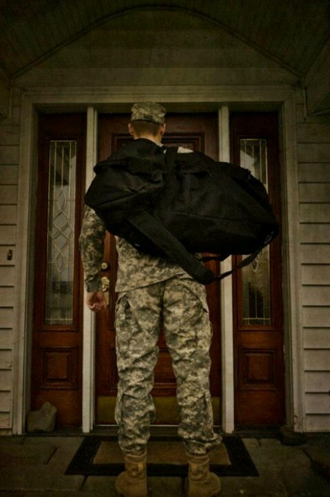 A soldier coming home <3