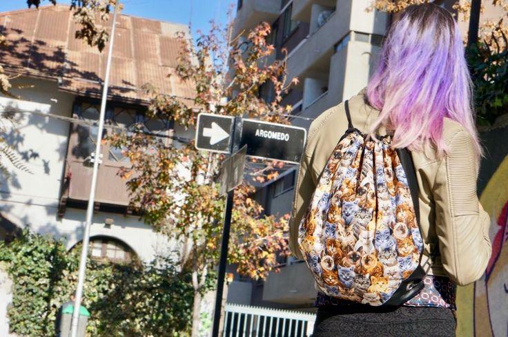 Mochilas diseños únicos, reforzada para mayor resistencia.  Estilo único ♡  Consulta por otros modelos en facebook Silvana Viedma Alta Costura, les invito a dar like 🆙 #silvanaaltacostura #promo #mochila #diseño #insta #estilo #unico #tendencia #look #moda #modelo #promocion #bolso