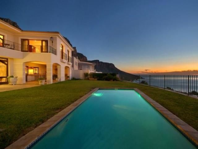 6 bedroom House for rent in Camps Bay from R4 000 per day. The sixth bedroom is a studio which is situated below the main villa and has its own private garden and amazing sea views.