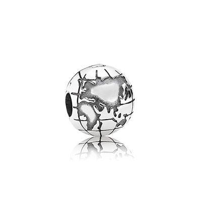 Pandora - 791112 - Drops Femme - Argent 925/1000 - Maman  http://www.amazon.fr/gp/product/B00B7HMNYG/ref=as_li_tl?ie=UTF8&camp=1642&creative=6746&creativeASIN=B00B7HMNYG&linkCode=as2&tag=httplemeilleu-21