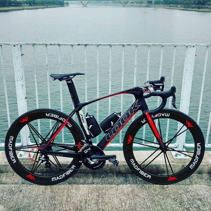Beautiful bike, the Look 795 Aerolight, fantastic piece of kit... pic 📷 @thelookbikeclub  #look795aerolight #lookcycles #lookbikeclub #madfiber #look795 #baaw #cycling #bicycle #fitness #racing #roadbike #triathlon #strava #garmin #sram #tri #triathlete #instabike #bikeporn #beautiful #campagnolo #carbonfiber #racing #endurance #aero
