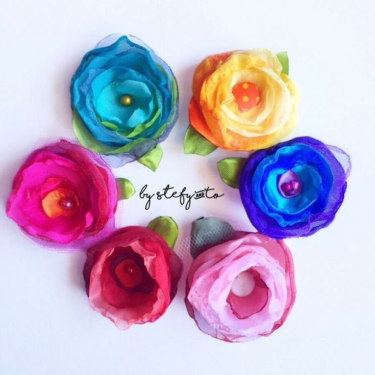 Colorful Hair clip... with HandMade flower.🌼 Beautiful gift for kids and young girls. 🌺