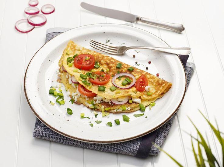 En omelett skal behandles forsiktig og stekes sakte på lav varme. Da blir den myk, fluffy og perfekt. Slik steker du omeletten perfekt.