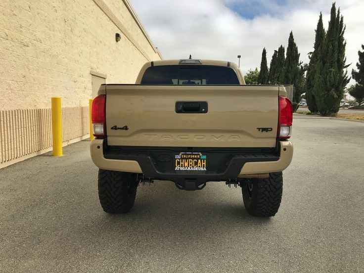 """2016 Toyota Tacoma equipped with a Fabtech 6"""" System #fabtech #fabtechmotorsports #liftedtrucks #toyota #tacoma #toyotatacoma #liftedtoyota #volkracing"""