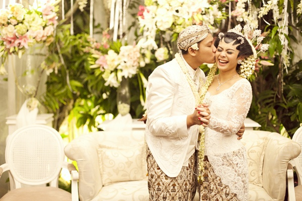 traditional javanese wedding