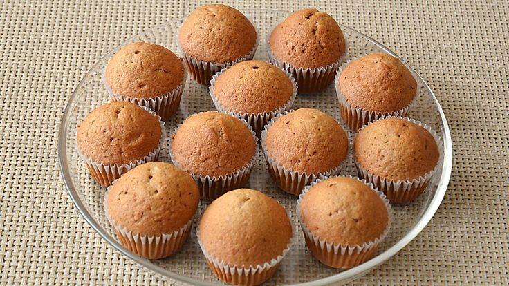 Briose cu crema de ciocolata /  Muffins with chocolate cream