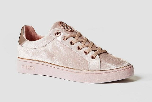 d5de4209667 GUESS SNEAKERS BRAYZA VELOURS Baskets Basses Rose pas cher prix Baskets  Femme GUESS 95