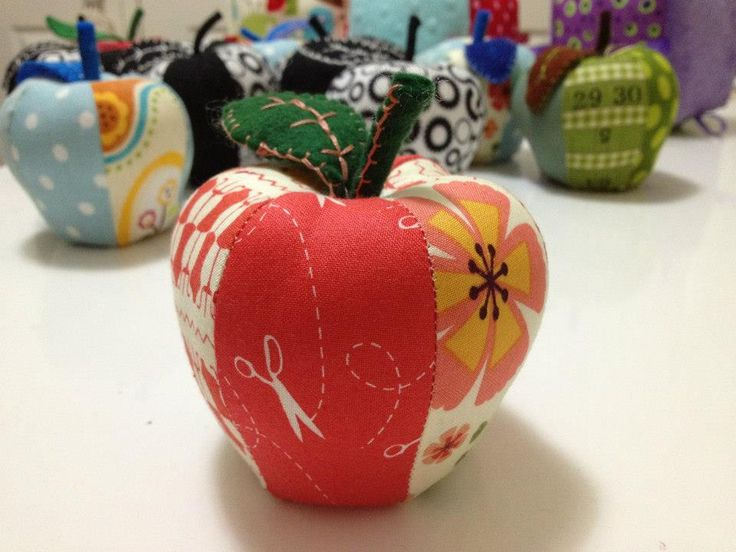 Rosey Apple pincushion https://www.facebook.com/kazzalblue/photos/a.10152742712295129.1073741843.144324370128/10152744393725129/?type=1&theater