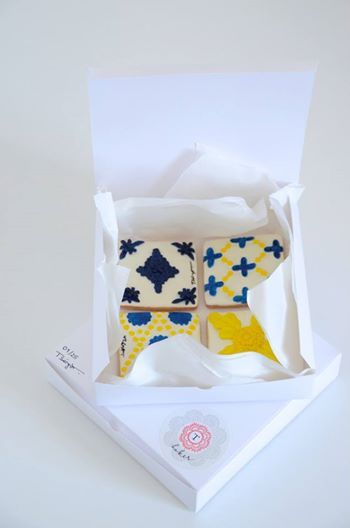 Portuguese tile cookies - perfect favor for a Portugal destination wedding!