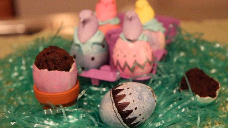 Easter Eggshell Cupcakes with hatching marshmallow chicks—see how to make them yourself! Repin for an adorable Easter treat.