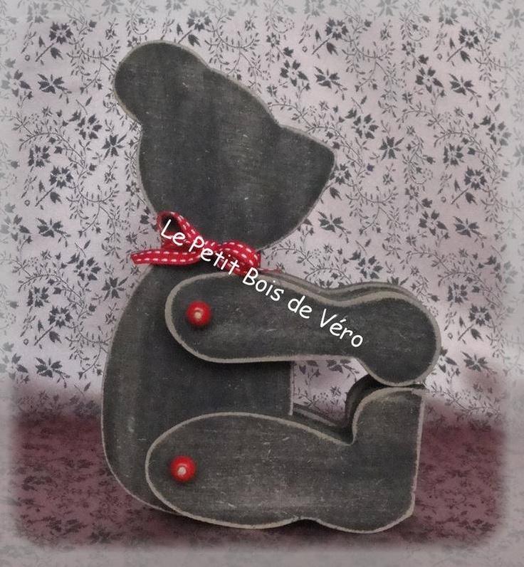 nouveaute ours en bois noir objets d co le petit. Black Bedroom Furniture Sets. Home Design Ideas