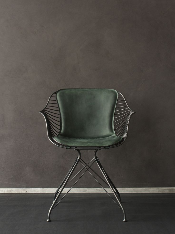 Overgaard & Dyrman - Wire Dining Chair in burned steel finish and British racing green leather - www.oandd.dk
