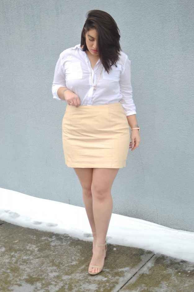 This girl is an awesome plus size style blogger! Go check her out! Have some fun with TEXTURE. A simple leather skirt.