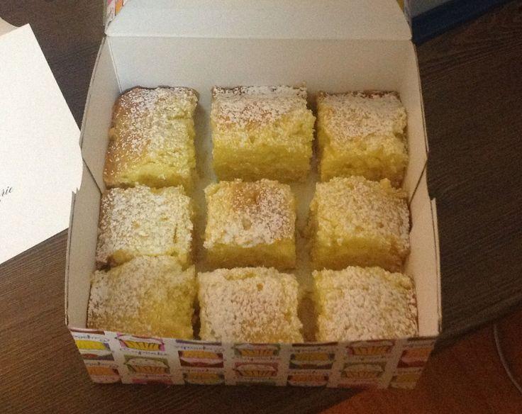 Lemon drizzle squares