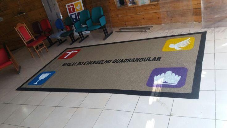 Lindo tapete feito sob medida.  Tapete Igreja do Evangelho Quadrangular feito pelo Grupo Betel.  www.portalgrupobetel.com