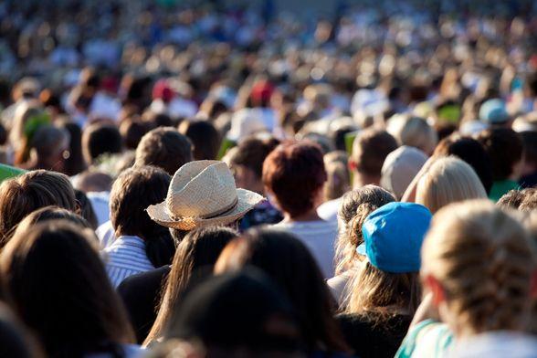 +++ Mr. Forums im Smarter Service Talk: Machen Online-Communities im Facebook Zeitalter (noch) Sinn? +++  Brian Kling von Lithium Technologies spricht über einfache Plattform-Technologien, Mark Zuckerberg und das exklusive Verhältnis zwischen Kunde und Unternehmen.