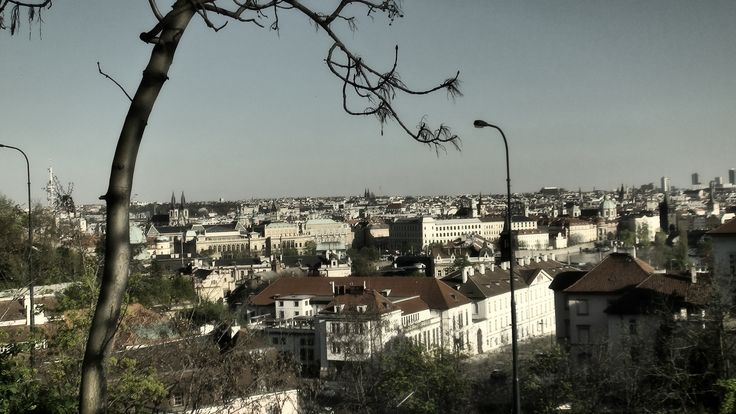 https://flic.kr/s/aHskyv1Zvs   Cestou z Hradu   Prague, 2016-04-20