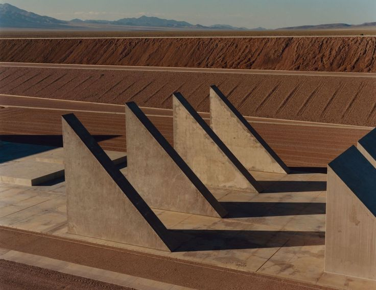 Michael Heizer - The City