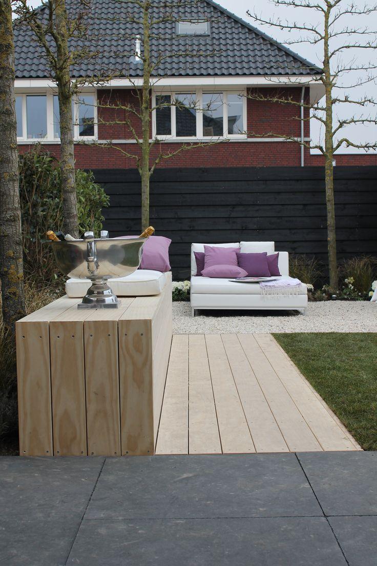 #Diversiteit en toch een geheel, door de verschillende materialen en kleuren in je #tuin.