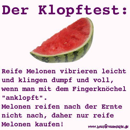 Wassermelonen - mit dem Klopftest erkennt man, ob eine Wassermelone reif ist