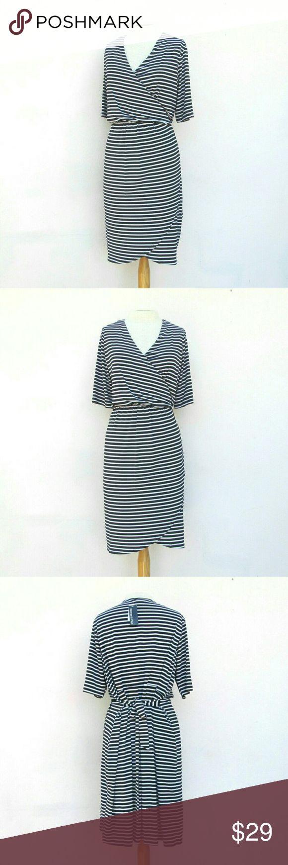 Covington Woman Striped Plus Size Dress Size 2X Trendy stylish faux wrap plus size dress. I offer bundle discounts :) Covington Dresses