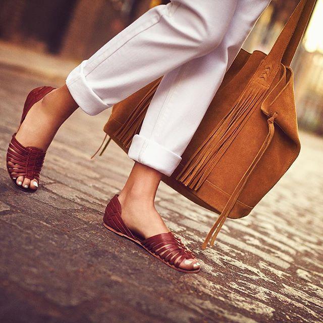 Время, чтобы поднять свой весенний стиль игры с нашими обязательно имеют квартир.  Нажмите на ссылку в нашей био, чтобы делать покупки прямо сейчас #Accessorize #shoes #sandals #summerflats #hellosummer # ss16shoes