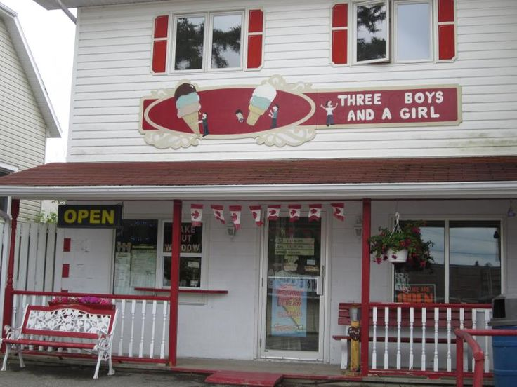 Days Out Ontario | To Die For Chocolate, Three Guys and a Girl Ice Cream Shop, Manitoulin Island, Ontario