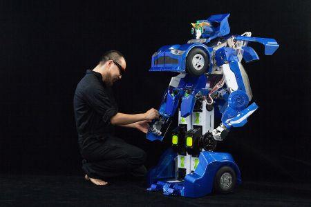 Move over Michael Bay, a duo of Japanese inventors - Kenji Ishida and Wataru Yoshizaki of Brave Robo...