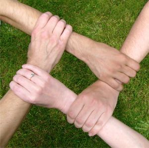 8 Fun and Effective Team Building Activities - Youth Group Games