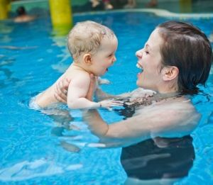 Μαθήματα βρεφικής κολύμβησης: Τι πρέπει να προσέξετε