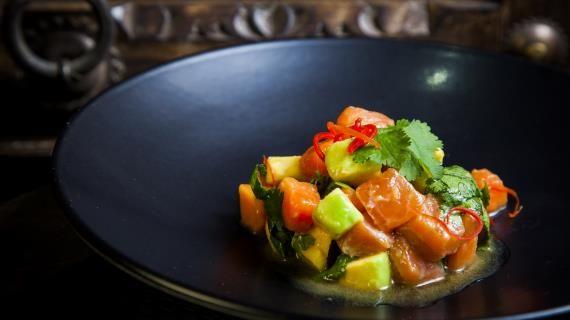 Тайское севиче из лосося с папайей и авокадо , пошаговый рецепт с фото