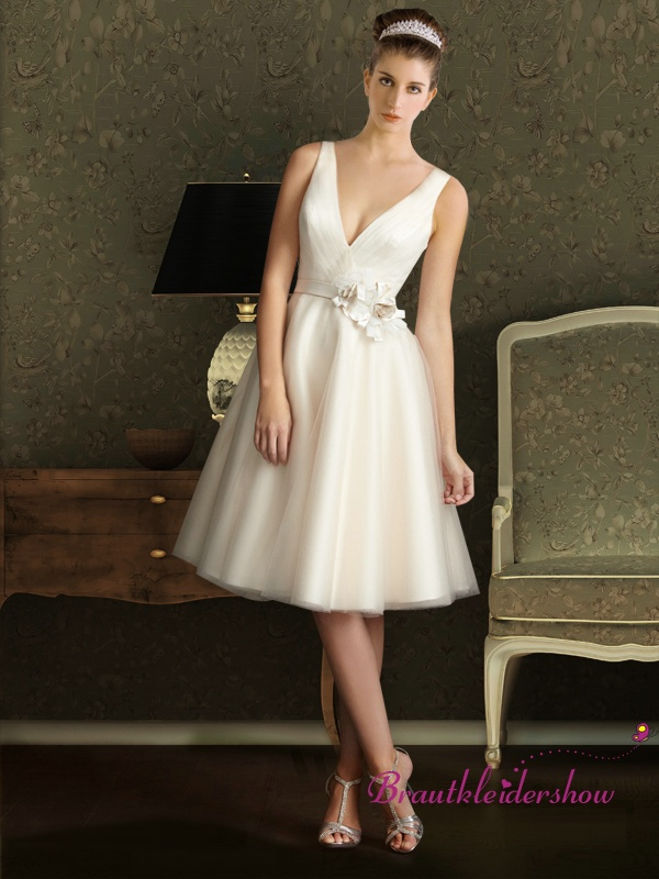 15 best Günstige Brautkleider images on Pinterest | Wedding frocks ...