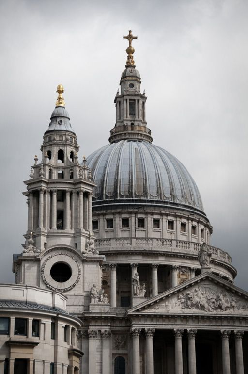 St. Paul's is located at the top of Ludgate Hill, the highest point in the City of London.  It is a Church of England cathedral, the seat of the Bishop of London and mother church of the Diocese of London.