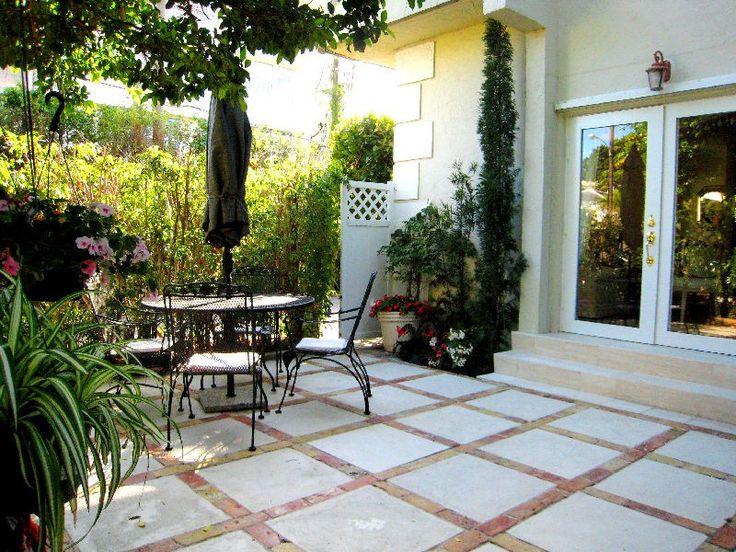 Townhouse Backyard Oasis Decorating Ideas | Obsidiansmaze