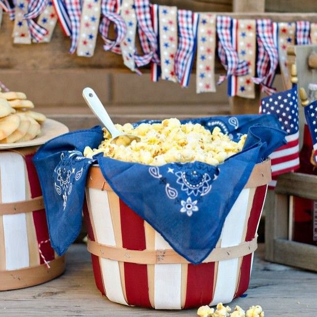 What a clever way to hold popcorn! We love the {simplicity} and creativity to tie it in with the patriotic theme {Inspired by A Night Owl Blog}