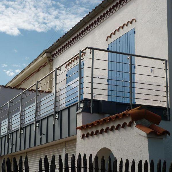 Garde-corps aluminium, acier, cables inox, balustrade, rambarde