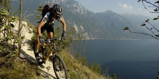 Atlet sepeda gunung Irlandia tak henti ereksi tujuh minggu
