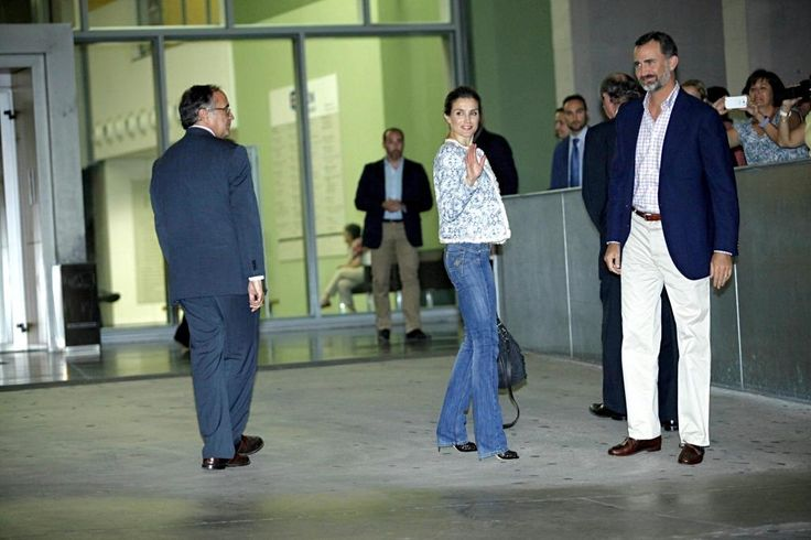 Prince Felipe and Letizia visit King Juan Carlos in hospital. The King underwent his 3rd hip operation 9/24/13