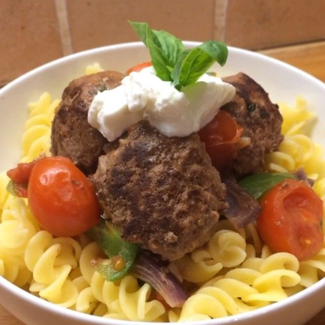 Cycle 2 - chilli and basil meatballs with pasta