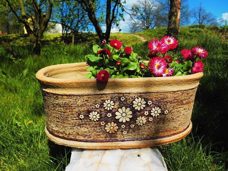 Truhlík+-+43+x+17+cm+Truhlík+na+vaše+květinky+:-)+S+dekorem+květin+na+louce.+délka+43+-44+cm+,+výška+17-18+cm+vypracovaný+samozavlažovací+systém+:-)